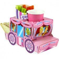 Ihr möchtet Euren kleinen Gästen etwas ganz Besonderes auf ihren Platz stellen?  Wie wäre es mit dieser kleinen Cinderella Kutsche für die kleinen Mädchen.  Diese könnt Ihr mit Malstiften, Süßigkeiten, Spielsachen oder kleinen Geschenken befüllen.