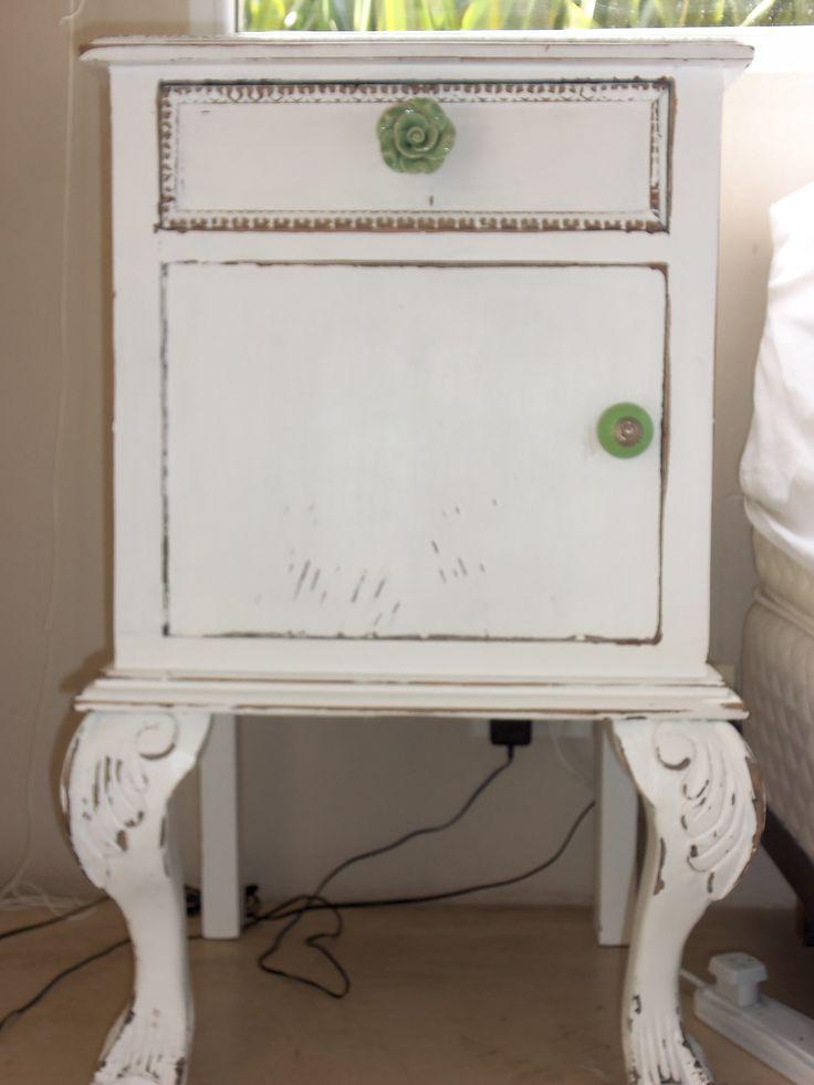 Mesas de luz romantica antigua 2 mis muebles reciclados for Muebles reciclados