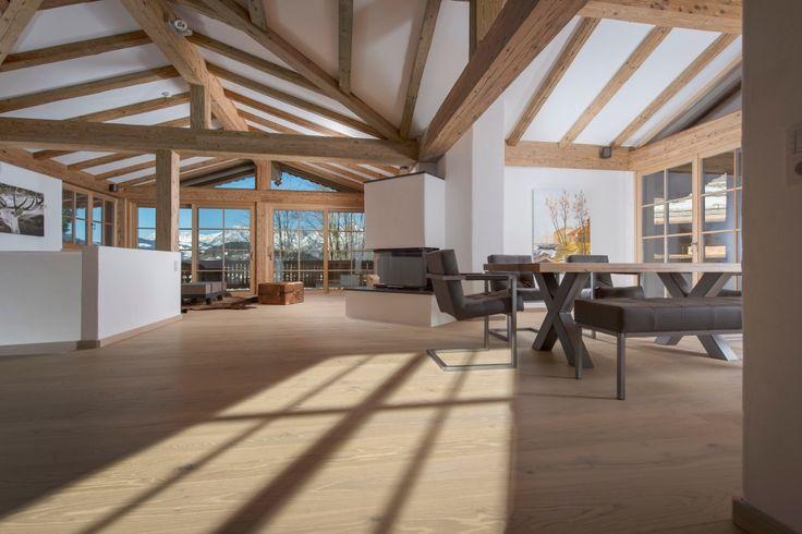 Immobilien in Kitzbühel -5- Luxus Wohn und Essbereich unter dem Dach