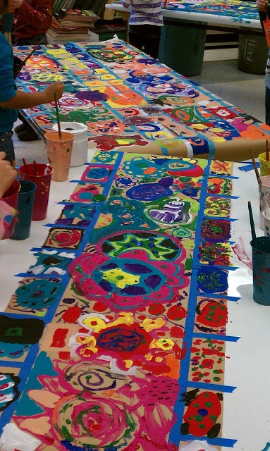 Collaborative Mural by elementary school art class students: Theme is 'circles'. [via Elementary Art Rocks @ blogspot]