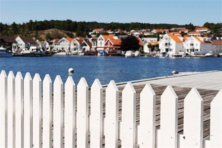 Lillesand- drømmen om Sørlandet og hvitt stakittgjerde..