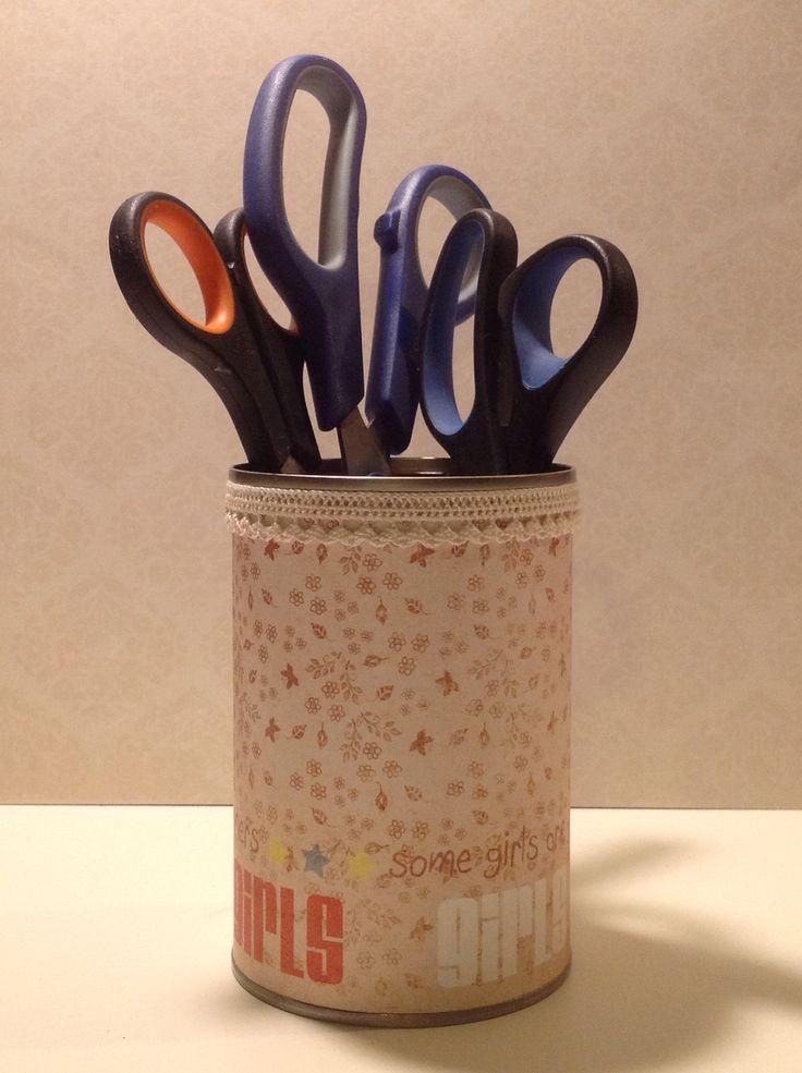 DIY tin can box with scissors