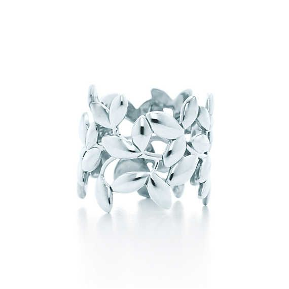 Paloma Picasso® Olive Leaf band ring in sterling silver.