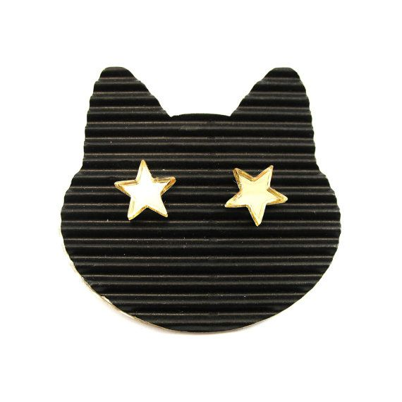 Golden mirror stars stud earrings. Very light and funny by XOOXOO