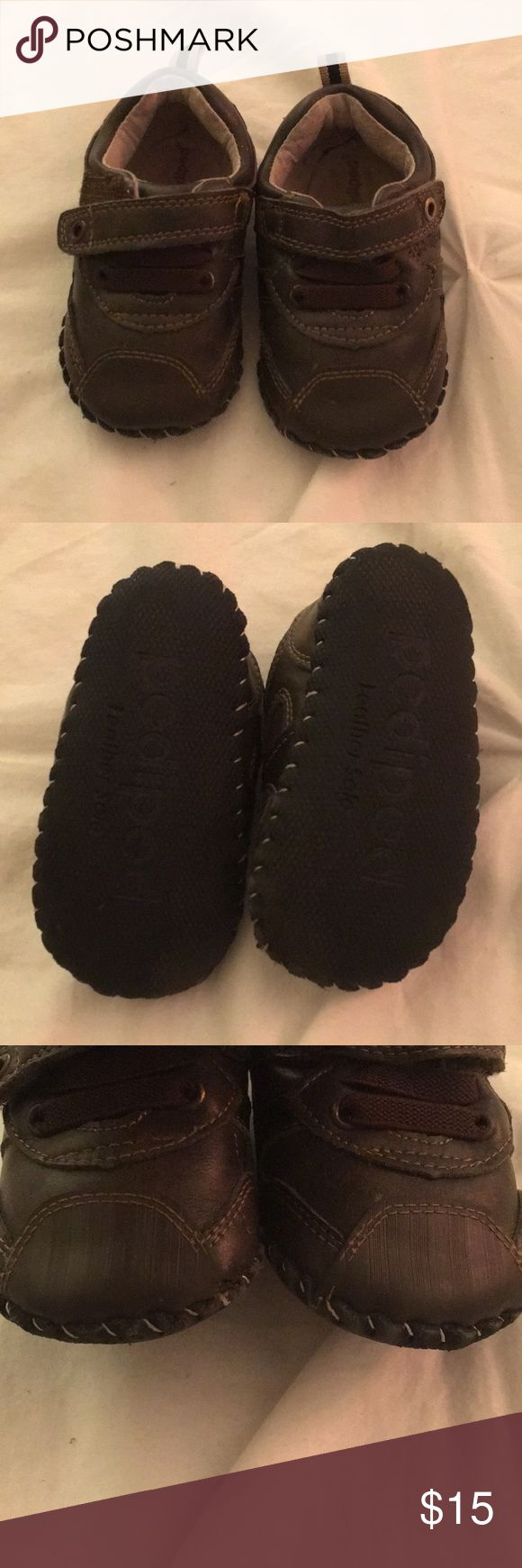 Pedipeds 12-18 month Pediped shoes. Brown. Like new condition. Says size 5 is 12-18 but I these fit more like a 4 pediped Shoes Baby & Walker