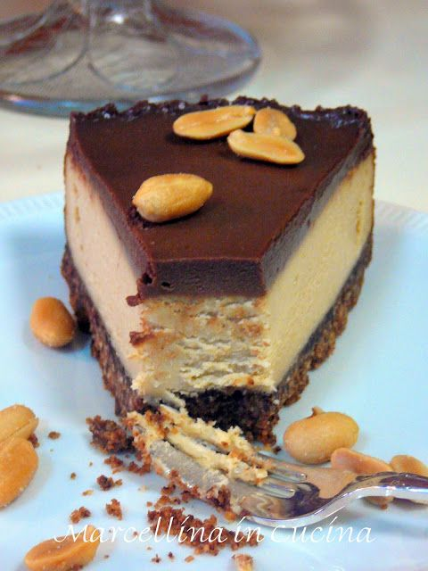 Marcellina in Cucina: Nigella's Chocolate Peanut Butter Cheesecake (needs measurement conversions)