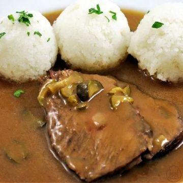 Znojemská hovězí s rýží - Znojemská hovězí s rýží - všichni známe, a ještě lepší je druhý den.