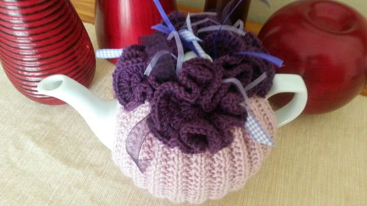 Purple peonie flower tea cosie