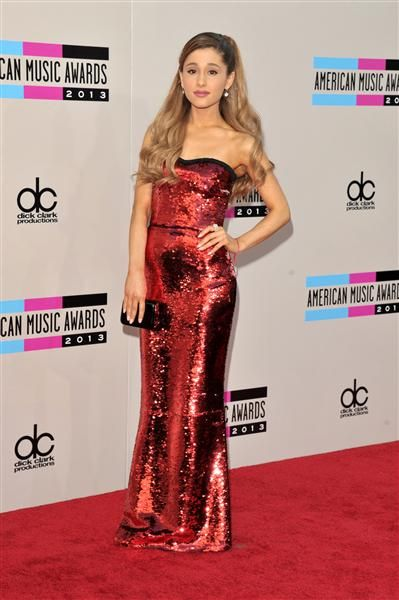 #ArianaGrande at the 2013 American Music Awards. See more celebs on Wonderwall: http://on-msn.com/1814ZSJ