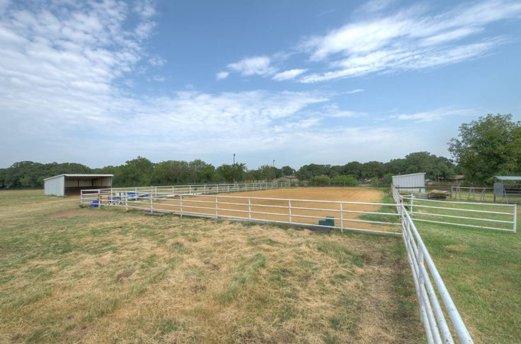 Horse Ranch for sale in Denton County in Texas. Complete Horse Facility, Large Trees and Pipe Fencing with 6 stall Barn with Tack/Feed and indoor wash Rack. Round pen and arena. 4 Separate pastures with loafing sheds . Separate Large Shop with extra nIce living quarters. 2/1 and central HVAC. Located in the town of Copper Canyon  Close to DFW airport , shopping and schools. 2 miles to extensive Park Horse Trails.