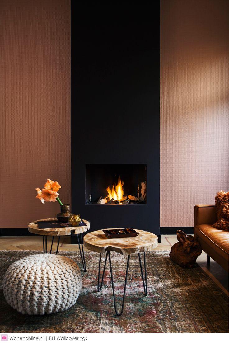 Moods behang creëert een ruimtelijk effect. In deze collectie zie je diepte en gelaagdheid waardoor er materiaalillusies ontstaan. #behang #moods #interior #inspiration