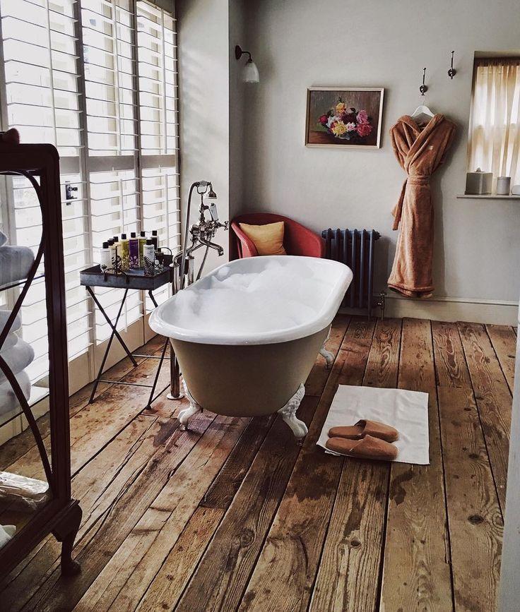 Первый раз купание в ножные ванны коготь.  Это странно, что я мечтал об этом моменте 🙈 На контрольный список для будущей дом мечты ✔️