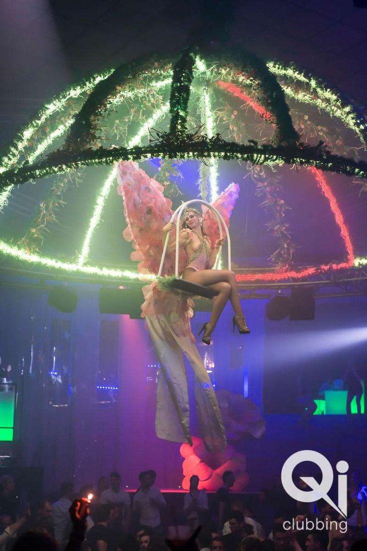Uno dei tanti fantastici spettacoli notturni alla discoteca Qi Club di Brescia