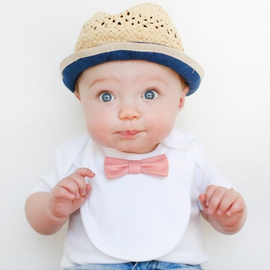 bow tie bib..if I ever have a little boy :) SO CUTE!