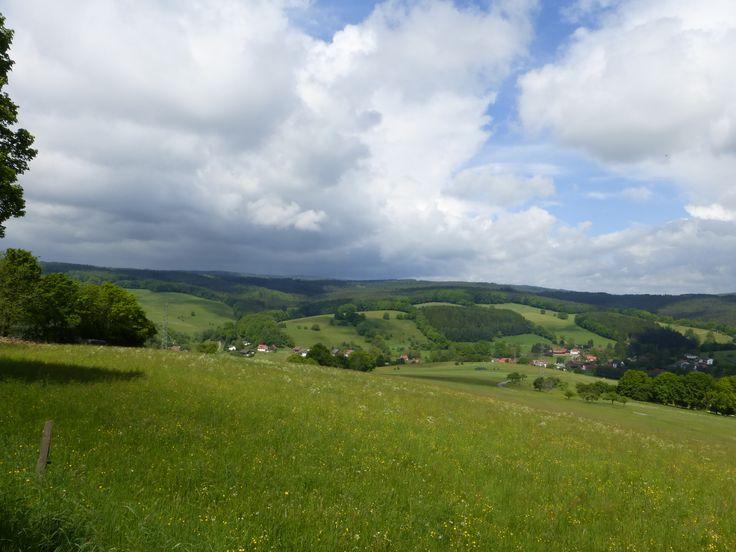 Der Odenwald in Hessen zwischen Beerfelden und Rothenberg. Ein schöner Ausgangspunkt für eine Wanderung. Erlebe die Natur in Hessen!