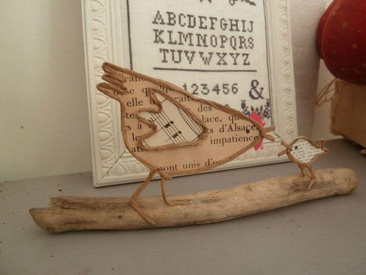 Un peu de papier, du fil de fer krafté....une poule et une sorcière vite faites