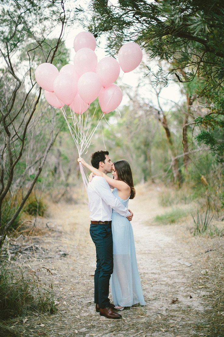 pink balloons + casual chic outfits