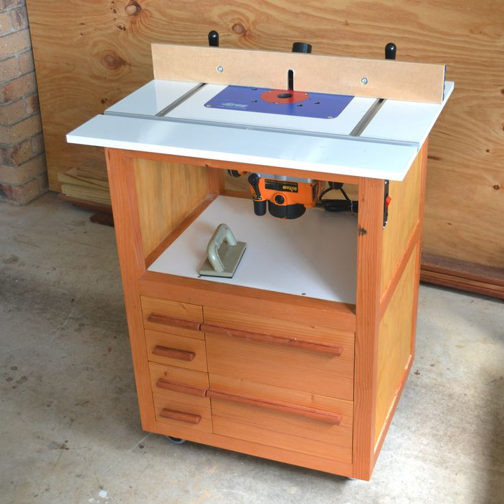 Router Table - recycled oregon, ply, laminated mdf, Kreg router plate, Rockler fence, Triton router