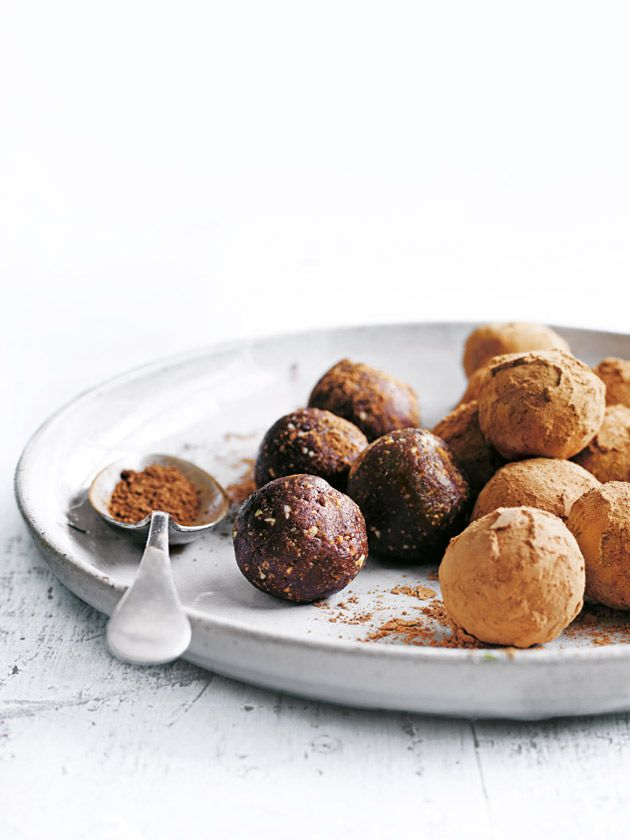 date, almond and cacao bliss balls