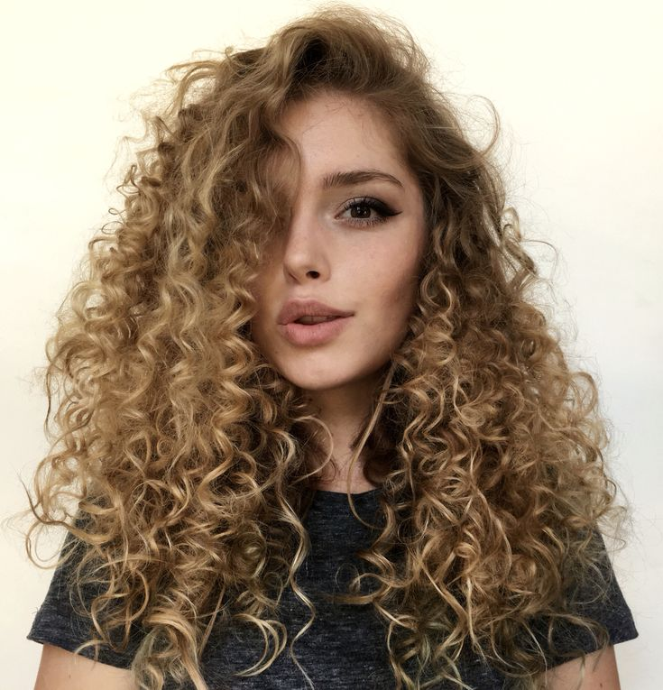 @thesunissetting No heat curls using - plastic straws- absolutely love how it turned outttttttt so much volume