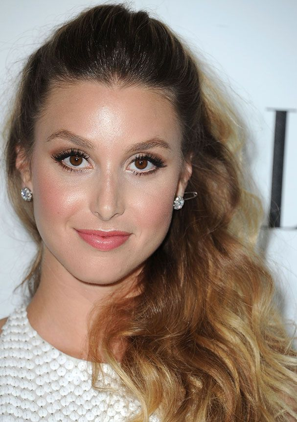 La queue haute vaporeuse de Whitney Port ringard l'épingle