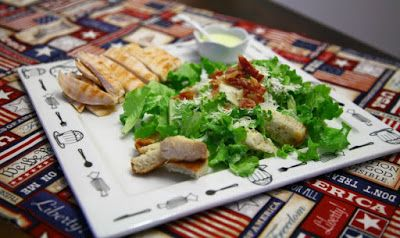 Viaggio Di Gusto: Caesar salad con pollo grigliato