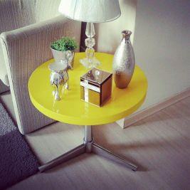 mesinha amarela