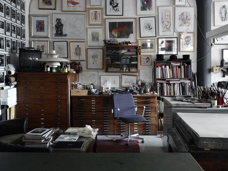Fritz Hansen products: Oxford™ Premium (2016) by Arne Jacobsen