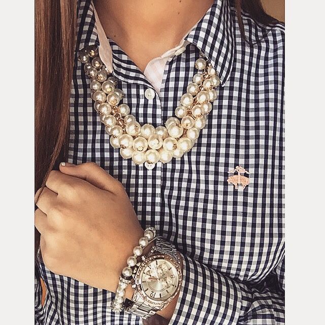 Love Brooks Brothers  and this @lightinthebox necklace!   Follow my Instagram…