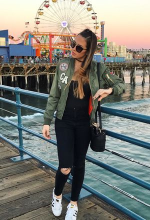Look by @stephyosuna with #sneakers #zara #adidas #pants #bomber #forever21 #sporty #jackets #bomberjacket #whitesneakers #prada #casualoutfit #glasses #bodysuit #tanks #rippedjeans #losangeles #blackpants #chokers #darkgreenblazers #blacktshirts #blackbags #patchitup #santamonicapier.