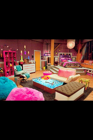 I Kinda Want This Icarly Bedroom Set Lol Especially The