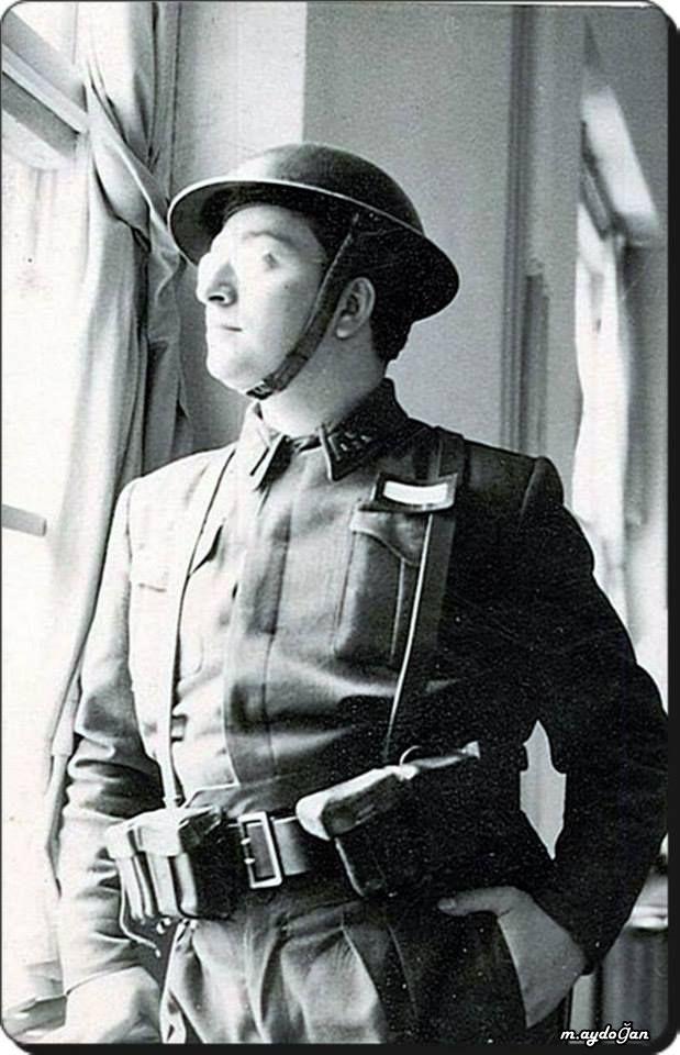 Asker Zeki Müren - 1957