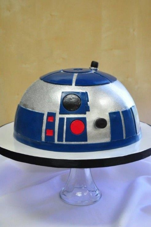 R2-D2 Cake in the Group Board ♥ CREATIVE and ORIGINAL FOOD (KIDS preferably) http://www.pinterest.com/yourfrenchtouch/creative-and-original-food-kids-preferably
