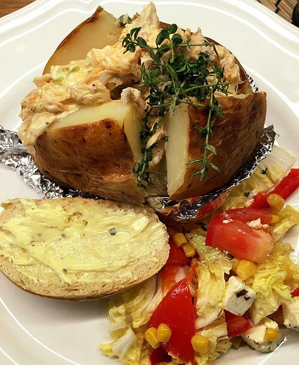 Krämig kycklingröra med cream cheese till bakad potatis eller baguetter