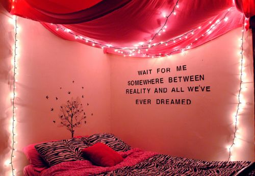 dreaming, this is a maybe: Dreams Rooms, Quote, Pink Rooms, Christmas Lights, Future Rooms, Rooms Ideas, Dorm Rooms, Girls Rooms, Cool Rooms