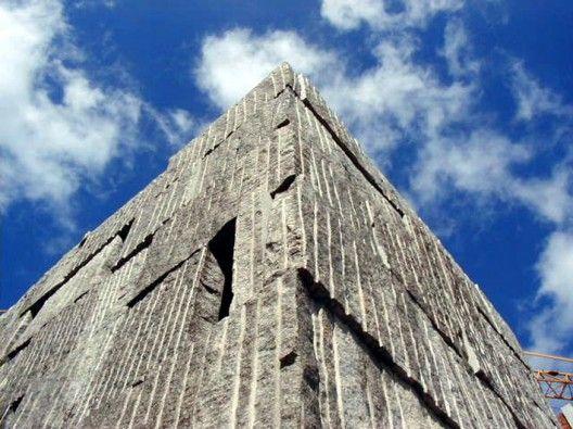 Musée en granit santiago de compostela-anton garcia-abril