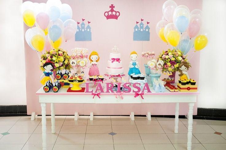 Branca de Neve, Cinderela, Rapunzel e Bela se juntam para decorar aniversário - Gravidez e Filhos - UOL Mulher