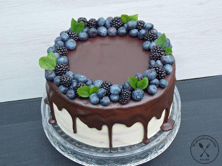 Tort jeżynowy w stylu Drip Cake