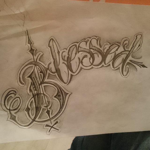 Boceto de un lettering de mi cabeza a otra cabeza jaja  Lo mejor es lo que queda por venir... Quien de los que estáis aquí se va a rendir?  #lettering #letters #letterstattoo #tattooed #sketchtattoo #autodidacta #Tattoo #tattooing #ink #boceto #practice #letras #caligraphy #blessed #vendecida #art #artist #Tattooartist #design #diseño #sketch #kaseo #fraseo #rap #inklife #artwork #hardwork #trabajoduro #belive by madsoto