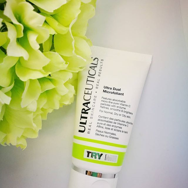 Sunscreen overload after these long weekends? Don't forget to exfoliate the skin at least once a week. we love #ultraceuticals Dual microfoliant using the power of pineapple enzymes.  To dissolve the build up on the skin. . . . . . #thebeautyclinic #skin #skincare #beauty #cosmetics #beautytherapy #beautytherapist #skintherapist#exfoliant #dualmicrofoliant #pineappleenzymes #realvisbleresults #advancedskincare #skinhealth #skintips #clinic