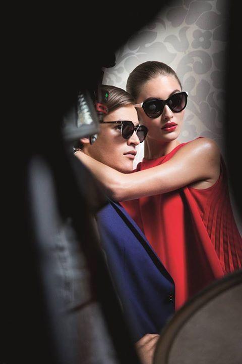 Stepping into Monday with the new #CHCarolinaHerrera collection. #Lilyaldridge #HerreraEYEstyle
