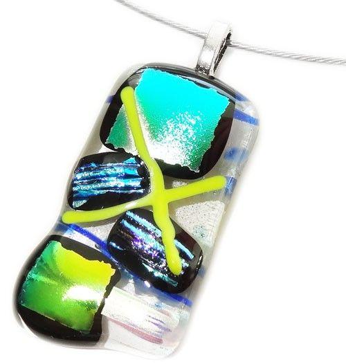 Handgemaakte heldere glas hanger met blauw, gele en groene accenten!