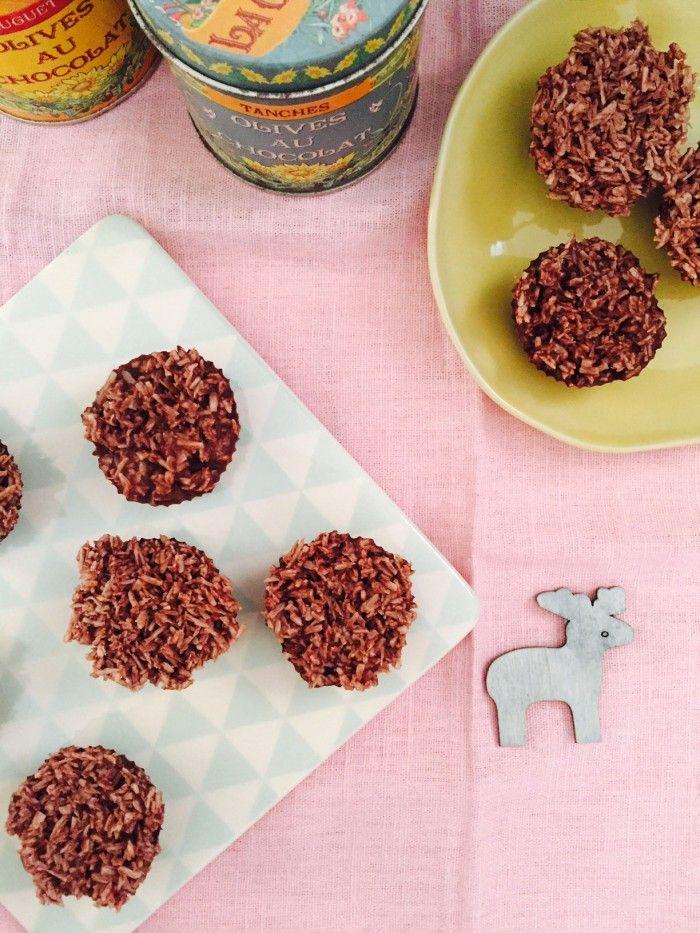 Choko-kokosstykker - julegodter LCHF-style - helt uden sukker --> Madbanditten.dk