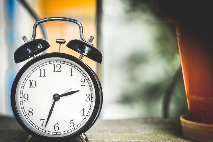 When is Daylight Saving Time 2017? When do we change clocks? When do the clocks go back? Why is there Daylight Saving Time? Find out!