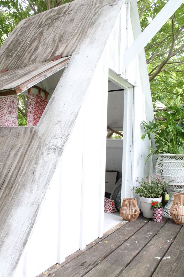 See how Lindsey Crafter transforms a childhood treehouse a boho bungalow escape in partnership with Cost Plus World Market.
