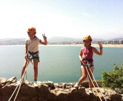 #campamentos de inmersión en inglés y #surf en #Santoña, #Cantabria, con actividades de #playa y montaña de #NaturEnglish http://www.campamentos.info/viewproperty/campamento-naturenglish-de-ingles-y-surf-en-santona/436/es-ES
