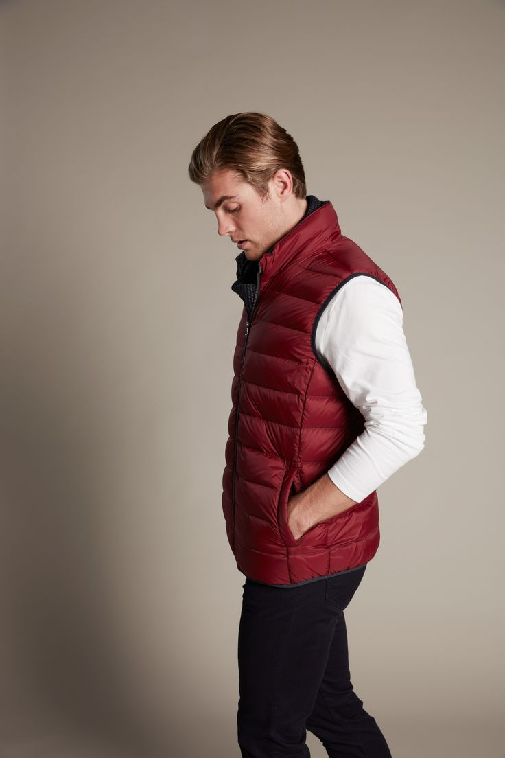 Our light weight puffer vest is the perfect layering item. Ideal for travelling with its light weight nature and fantastic warmth. Just roll up into our small travel bag for convenience.