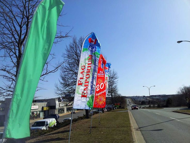 Large feather flags for roadside advertising, placement at special events, great for attracting attention to your business.