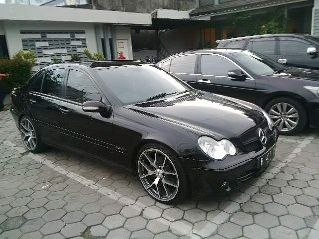 Sewa Mobil Mercedes Mercy Sport Jogja   Rental Mobil Jogja