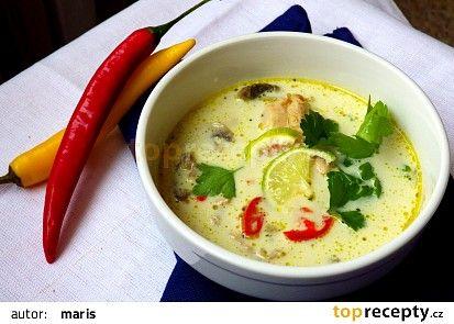 Thajská kuřecí polévka recept - TopRecepty.cz